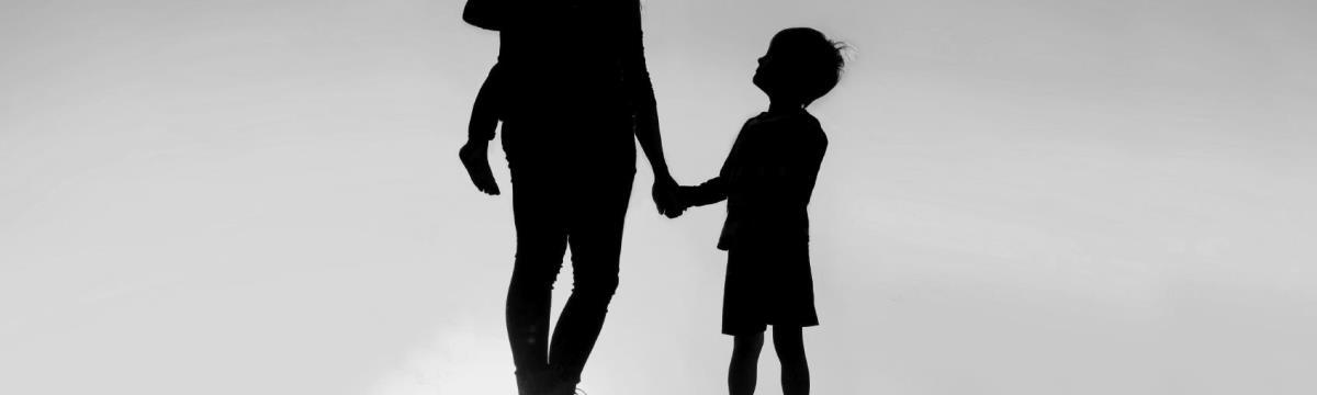Kiterjesztett öngyilkosság: miért kellett a 9 éves fiúnak édesanyja kezétől meghalnia?