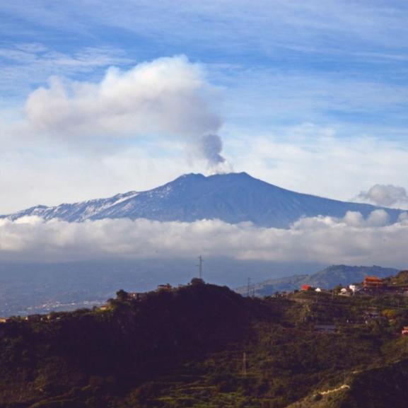 2015-ben ismét kitört az Etna – gyönyörű fotók készültek róla!