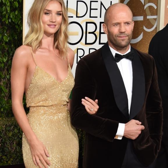 Jason Stathamet elvesztettük! – Eljegyezte modell barátnőjét