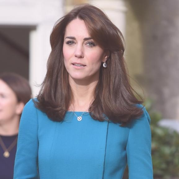 Feltűzött, hullámos, kalapos – Ezek voltak Katalin hercegné legszebb frizurái
