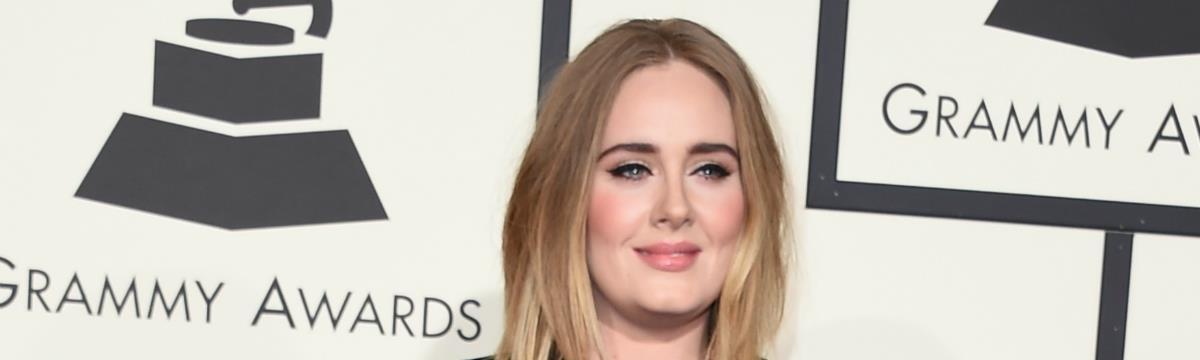 Adele a legjobb arc! Spice Girls-slágert énekelt a színpadon