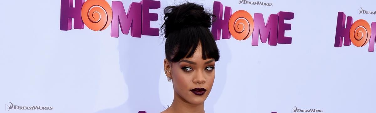 Ezt látnotok kell: Rihanna derékig érő csizmába bújt