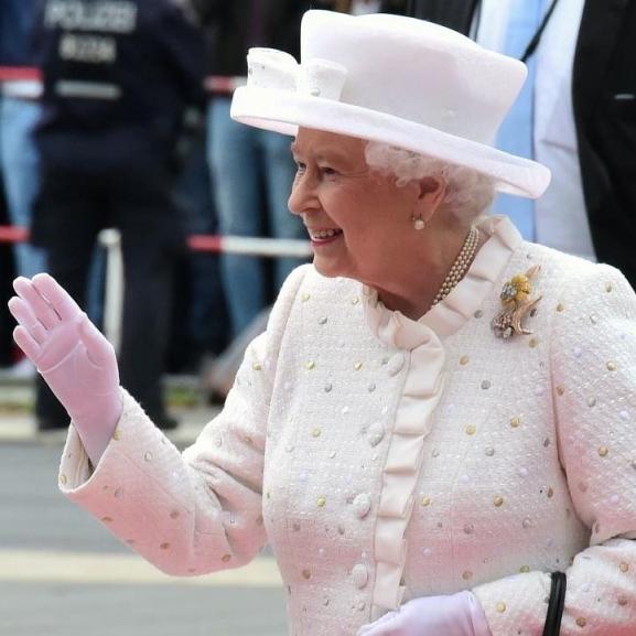 Összegyűjtöttük a ma 64 éve trónon lévő II. Erzsébet királynő legszebb idézeteit