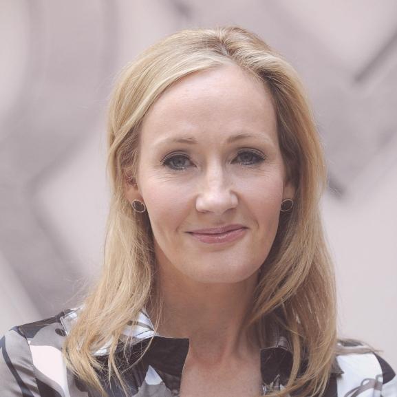 A nap híre: J. K. Rowling új gyerekkönyv írásába kezdett