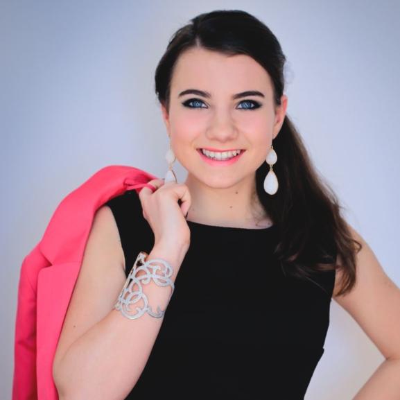 Julcsi iskolás lányból csinos esküvői vendéggé változott – Akcióban a NORIE Team