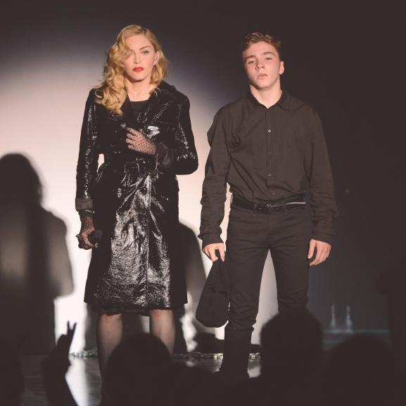 Madonna megszólalt: elcsukló hangon beszélt fiáról a koncertjén