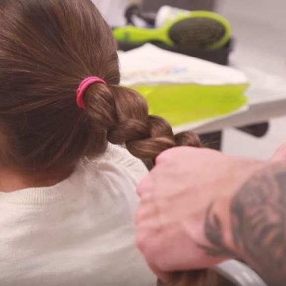 A legjobb apa-lánya közös program: hajfonás mesterfokon
