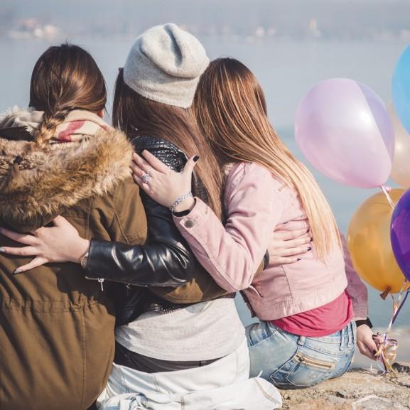 1 férfi, 3 nővér és féltékenység a lányszobában Kassai Tini