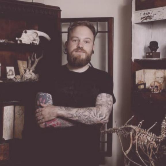 Mesebeli lények leleteire bukkantak egy londoni ház alagsorában