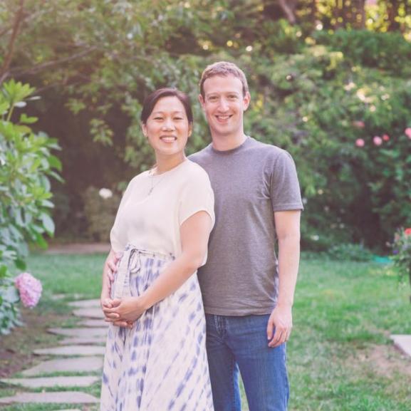 Mark Zuckerberg gyönyörű fotót posztolt várandós feleségével