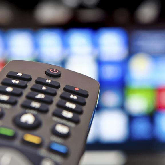 Tévévásárlás előtt – Kiderítettük, mit tud a legdrágább tévé a hazai piacon