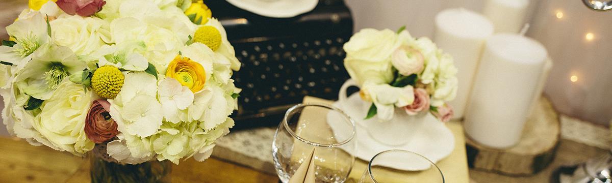 Moha és írógép mindenhol – Ismerjétek meg 2016 esküvői dekortrendjeit!