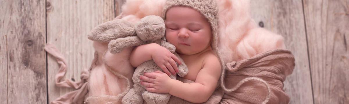 Gyönyörű fotón örökítette meg méhlepényét és kisbabáját egy nő