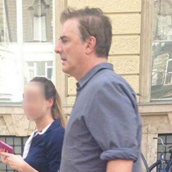 Mr. Big Budapest utcáin sétálgat – nem hiszünk a szemünknek!