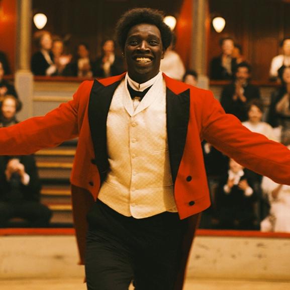 Mázolt mosoly a moziban: a filmvászon legemlékezetesebb bohócai