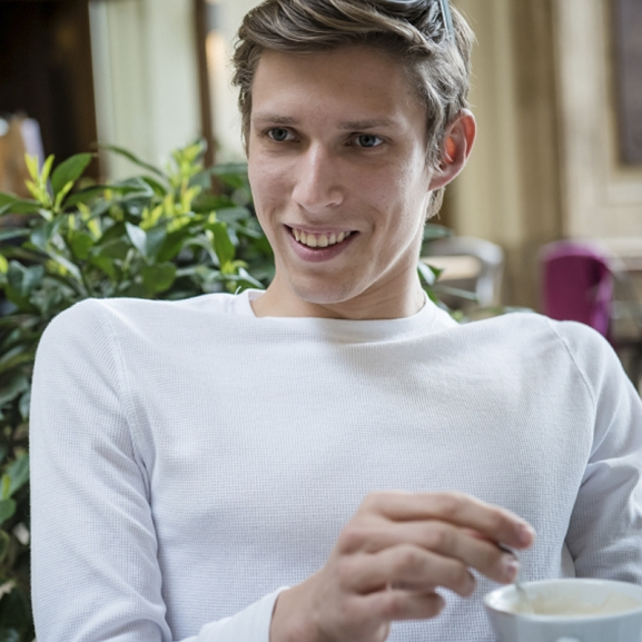 """""""Ha kerekesszékes vagy és mosolyogsz, teljesen összezavarod az embereket"""" – Fenyvesi Zoltánnal beszélgettünk"""