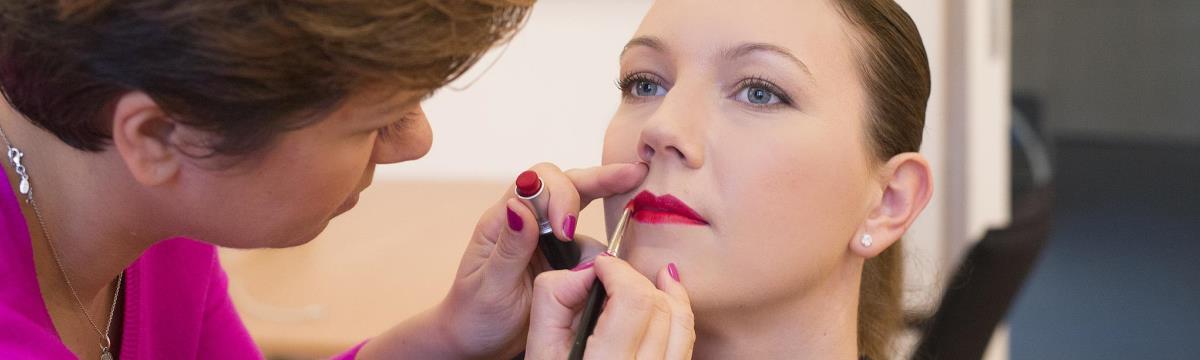 A Rúzs, ami minden nőnek kötelező! De hogyan találjuk meg az igazi pirosat?