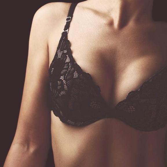 Megvan, hogy előzhetitek meg a menstruáció előtti mellfájást