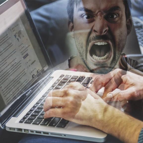 A monitor mögül mindenkinek nagy a szája? – A negatív kommentelés margójára