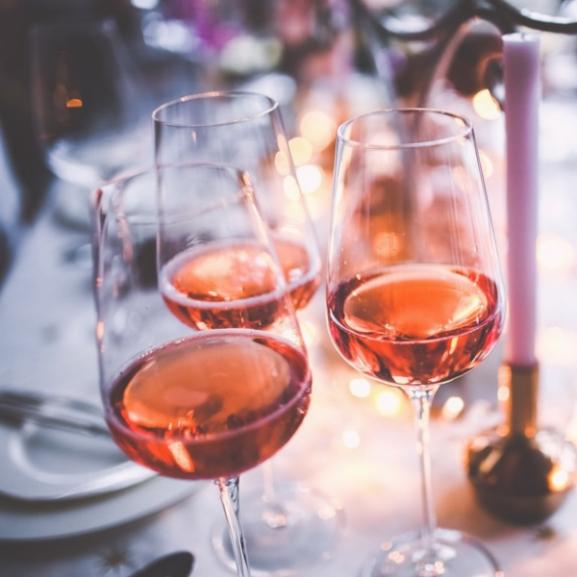 Egy ijesztő ok, amiért lehet, hogy nem fogtok többé bort inni
