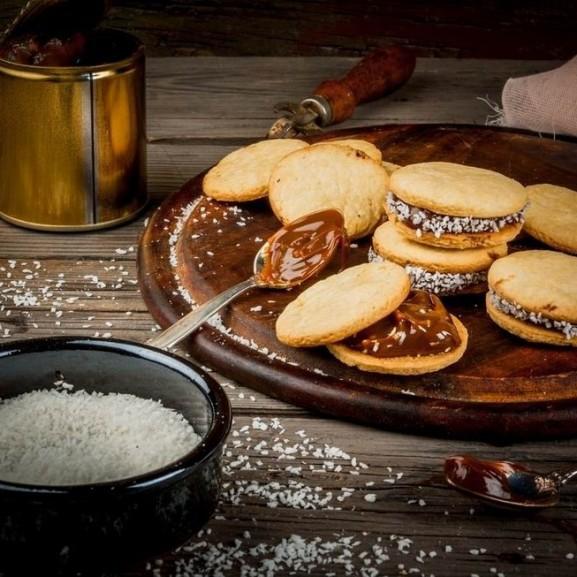 alfajores-argentin-vajkaramellas-kokuszos-toltott-keksz1