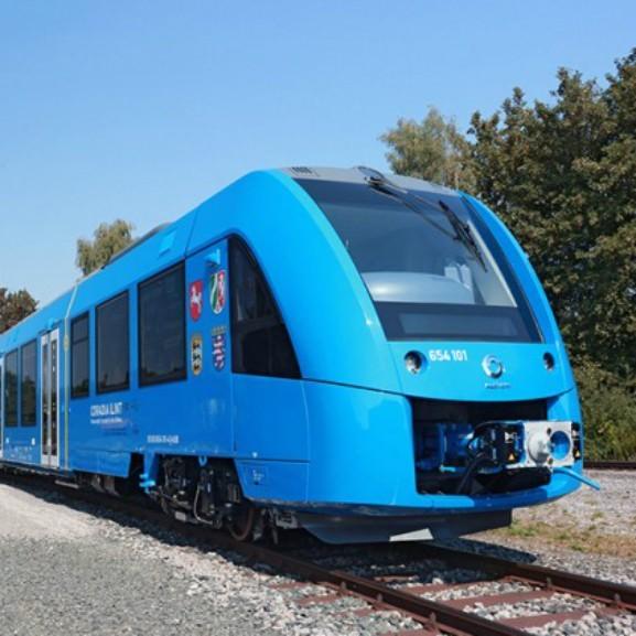 alstom-coradia-ilint-hydrogen-fuel-cell-train_100579156_m
