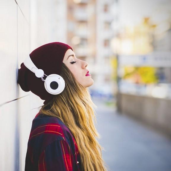 Annál hogy mit hallgattok, sokkal fontosabb, hogy min hallgatjátok, és hogy átlépitek-e azt a bizonyos 15 percet!
