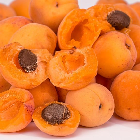 apricots-2994801_1920