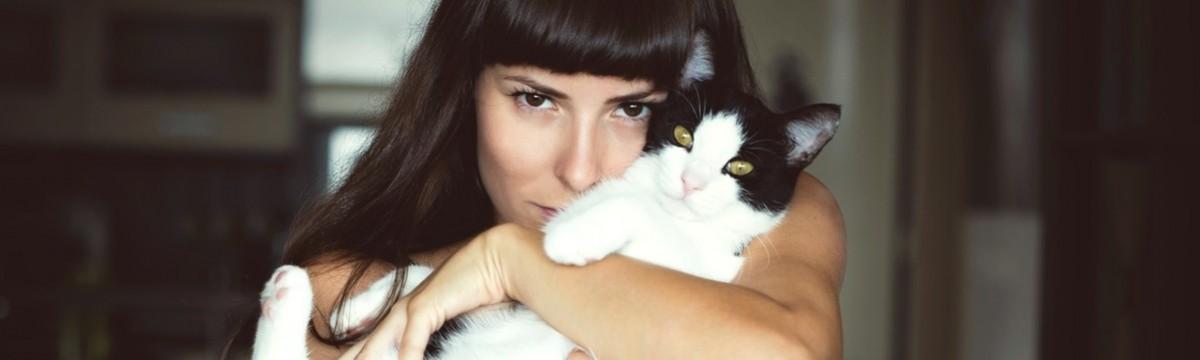 Apróságok, amiktől pillanatok alatt boldogabb lesz a napotok macska cica nő lány