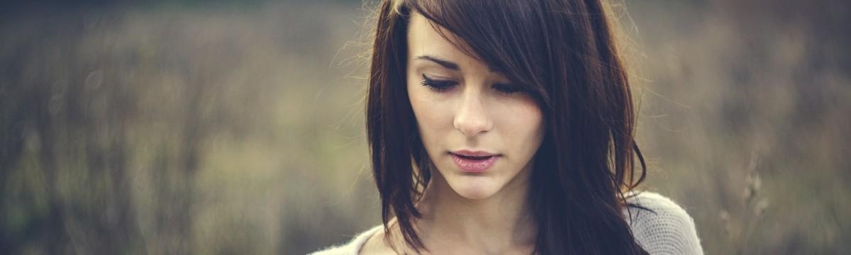 arc lány barna haj