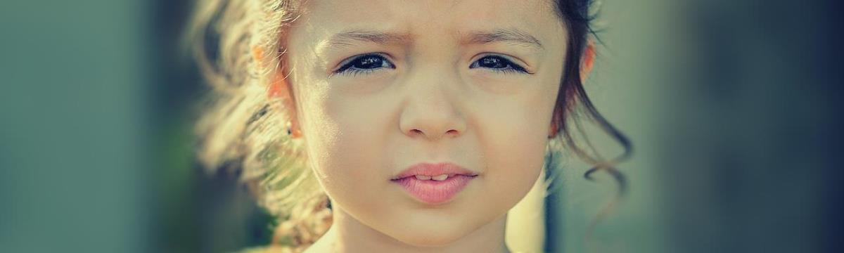 4 mondat, ami megfékezi a hisztiző gyereket