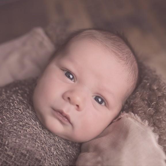 baba-kisbaba-gyermek-csecsemo