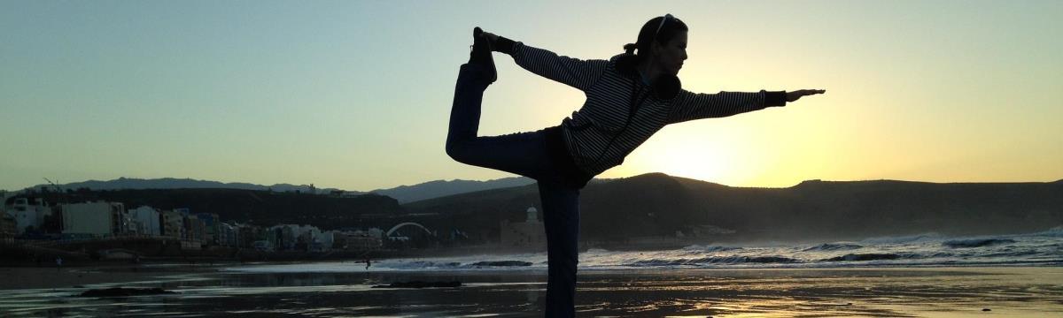 Tényleg könnyű jógapózok, amikkel elűzhetitek a stresszt