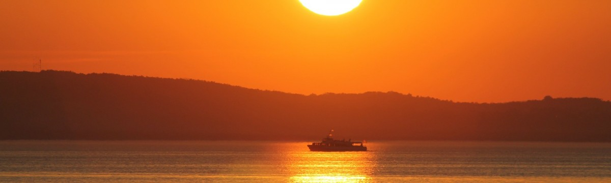 Balaton naplemente hajó