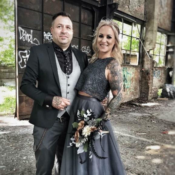 beke luca menyasszonyi ruha