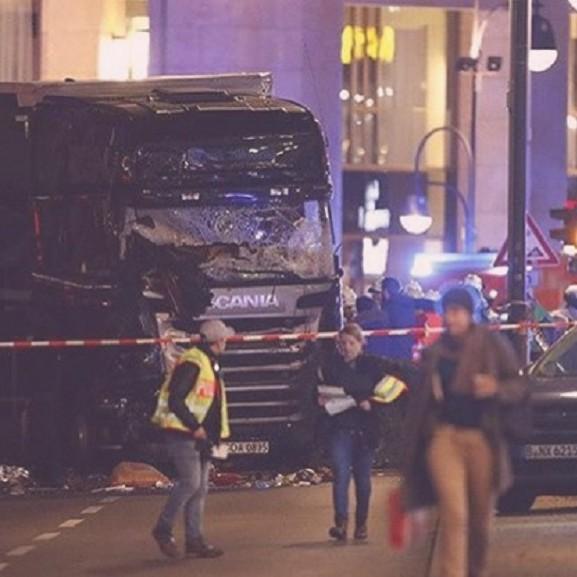 berlin kamion teherautó