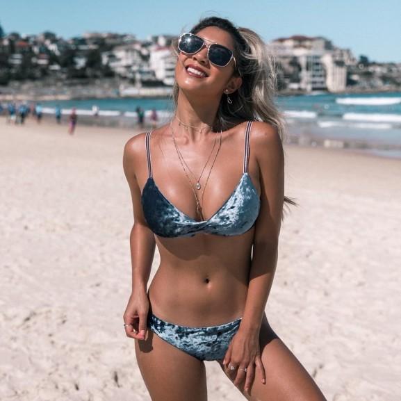 bikini bársony