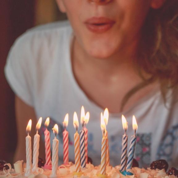7 dolog, ami mindenkivel megesik, ha fiatalabbnak néz ki a koránál