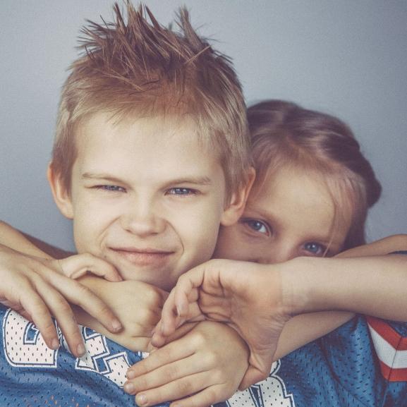 A 10 legjobb dolog abban, ha van egy fiútestvéretek