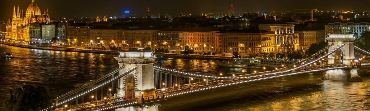 budapest-duna-hid-fovaros-magyarorszag-parlament-ejszaka