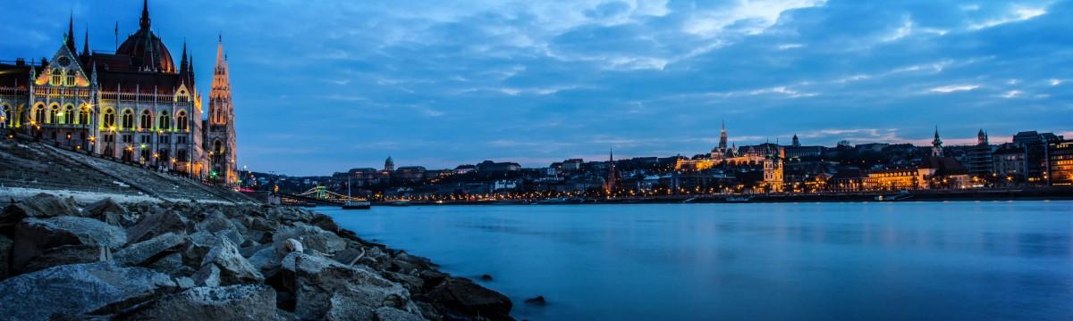 budapest-parlament-duna-varos
