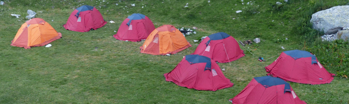 camp-182951_1920