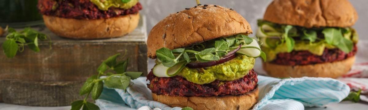 Céklaburger vegetáriánus hamburger