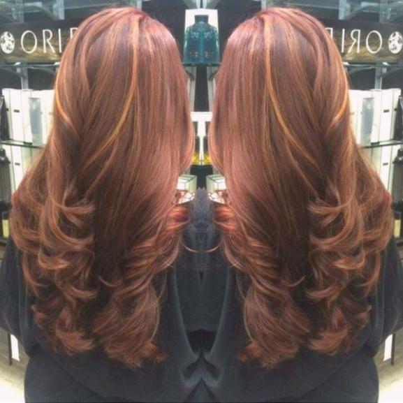 Fűszerezzétek meg a hétköznapokat: hódít a fahéjszínű haj