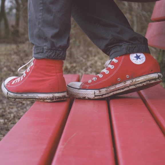 Tényleg leáldozott a klasszikus tornacipőnek?