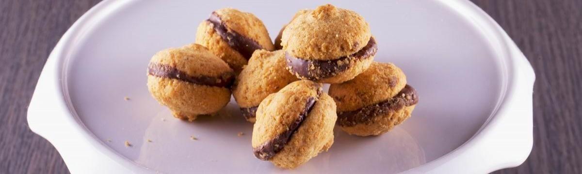 Cookta Azt mondják finom, akár egy asszonycsókja: Baci di dama, az olasz macaron