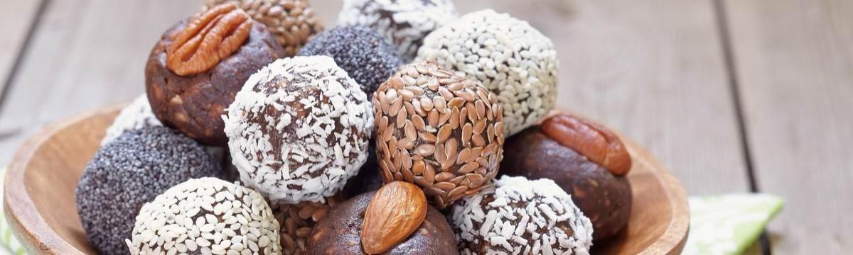 Cookta Vidámság, egészség: édes energiagolyó, ami cukor nélkül pörget fel