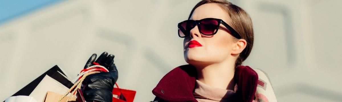 divat-vasarlas-ruha-shopping-napszemuveg