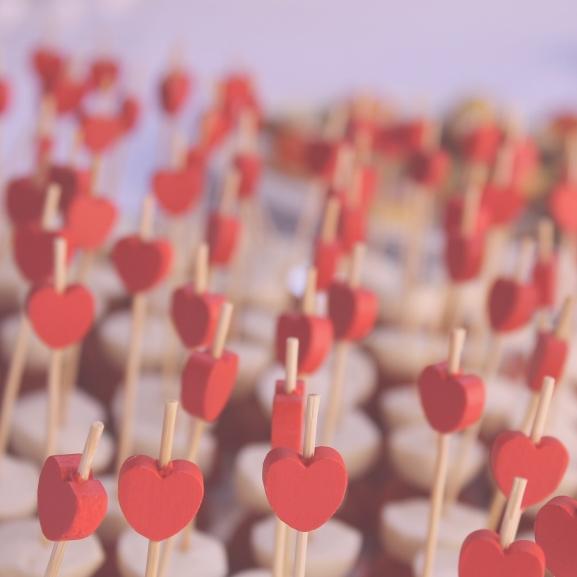 Lehull a lepel: eláruljuk, mire vágyik minden lány Valentin-napon