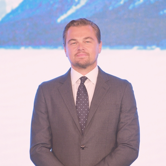 Leonardo DiCaprio (megint) egy gyönyörű modellel randizik